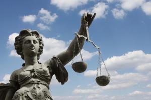 Wer eine Eigenbedarfskündigung ausspricht, muss Urteile zum Mieterschutz meist akzeptieren.