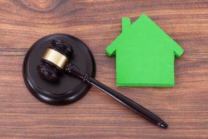 Eine Eigenbedarfskündigung und deren Voraussetzung sind gesetzlich geregelt.