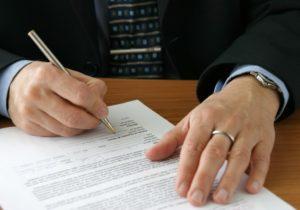 Für einen Mietaufhebungsvertrag im Gewerbe sind Muster kostenlos erhältlich.